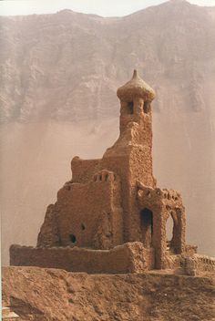 Turpan, China 1999 (by whitecat sg on Flickr). This is EXACTLY how I envisioned the ruins of The Lost City of Oralam, to the far east of Fendellin amongst the Red Desert. Home of the tragic figure of Hal'Torren. (Hal'Torren's choice)