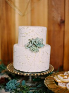 Justine Milton Photography | Venue: Grazers Restaurant, The Calgary Zoo | Planning, Design, & Teepee & Piñata DIY: Shannon Valente Weddings | Floral Design: Flower Artistry | Vintage Rentals: Rus Vintage | Tableware: Special Event Rentals | Cake & Sweets: Whippt Desserts