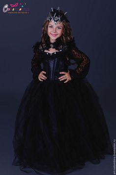 Купить или заказать Костюм колдуньи в интернет-магазине на Ярмарке Мастеров. карнавальный костюм колдуньи для девочки комплектация: платье, болеро, корона 134-146+500…
