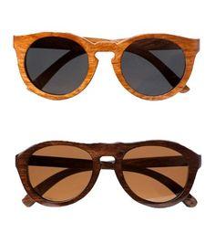 ¿Has oído ya hablar de estas polémicas gafas de sol que serán el must have del verano? La iniciativa viene de la mano de la marca catalana Ribot, que se inspira en el trabajo artesanal de unos carpinteros de un antiguo almacén de comercialización situado en el barrio de Borne.