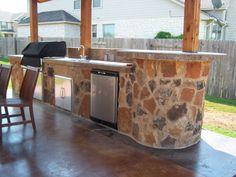 patio/outdoor kitchen