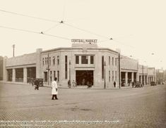 Central Market Nottingham 1930 was opened in 1928 Nottingham City, Central Market, Vintage London, Old Photos, Past, Street View, Belfast, Family History, Roots