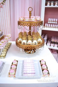 Cute and small desserts perfect for an Alice amd Wonderland theme...pretty with the pink and gold