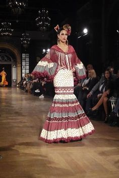 Traje de Flamenca - Pablo-Retamero-y-Juanjo-Bernal - We-Love-Flamenco-2016 Spanish Dancer, Flamenco Dancers, Priyanka Chopra, Fishtail, Dress Codes, Peplum Dress, Costumes, Womens Fashion, Model