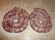 Ruska kiełbasa do pieczenia. - przepis ze Smaker.pl Homemade Sausage Recipes, Butcher Shop, Kielbasa, Polish Recipes, Smoking Meat, Charcuterie, Chorizo, Carne, Lamb