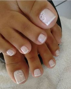 Gel pedicure toes toenails design ideas for 2019 design pedicure 48 toe nail designs to keep up with trends White Pedicure, Pedicure Colors, Manicure And Pedicure, White Toenails, Pedicure Ideas, Nail Ideas, Makeup Ideas, Pretty Toe Nails, Cute Toe Nails
