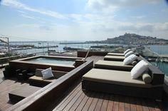 Gran Suite Dalt Vila Outdoor Furniture, Outdoor Decor, Sun Lounger, Beautiful Places, Around The Worlds, Paradise, Travel, Home Decor, Chaise Longue