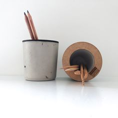 Concrete pencil holder with wooden top Soy Wax Candles, Candle Wax, Wooden Tops, Pencil Holder, Toothbrush Holder, Concrete, Cartoons, Clock, Decor