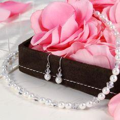 20 Elegant Valentine's Day Jewelry 2015 - London Beep  #beautiful #jewellery #valentine'day #2015 Bridesmaid Accessories, Bridesmaid Jewelry Sets, Bridal Jewelry Sets, Wedding Jewelry, Bridesmaid Necklaces, Bridal Jewellery, Bridal Accessories, Bridesmaid Gifts, Jewelry Accessories
