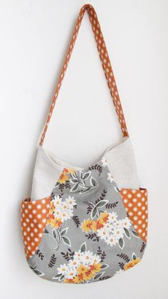 Flea Market Fancy 241 Tote @Ashley Walters Pease-Mathes - i love the floral pattern, do you?