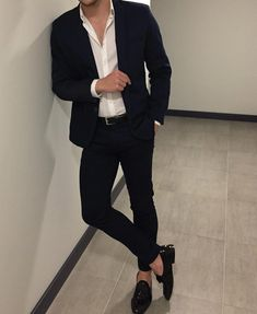 Best shirt stays to keep your shirt tucked in Casual Outfit for Men Trendy Mens Fashion, Korean Fashion Men, Stylish Mens Outfits, Mens Fashion Suits, Mens Suits, Blazer For Men Fashion, Topman Fashion, Designer Suits For Men, Shirt Tucked In