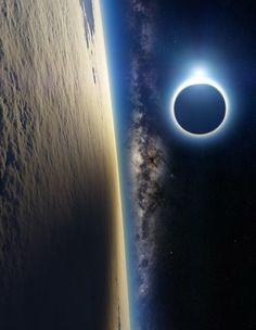 Le Soleil a rendez-vous avec la Lune (et aussi la Terre et la Voie Lactée). Une vue d'artiste de A4size-ska
