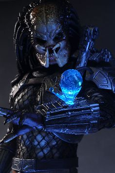Classic Predator sixth scale action figure by Hot Toys Alien Vs Predator, Predator Movie, Predator Alien, Xenomorph, Science Fiction, Desenhos Harry Potter, Aliens Movie, Alien Art, Fantasy