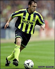 Gillingham 2 Man City 2 p) in May 1999 at Wembley. Paul Dickov looking to seal it in extra time in the Division Play-Off Final. World In Motion, Gillingham, Manchester City, Soccer Ball, First Love, Football, Sports, Photoshop Ideas, Legends