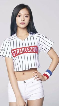 twice tzuyu en Gta San Andrés Cute Asian Girls, Beautiful Asian Girls, Cute Girls, Korean Beauty, Asian Beauty, Tzuyu Body, Chou Tzu Yu, Tzuyu Twice, Asian Hotties