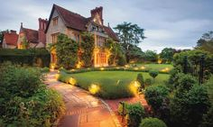 Book Belmond Le Manoir aux Quat'Saisons, Great Milton on TripAdvisor: See 1,489 traveler reviews, 641 candid photos, and great deals for Belmond Le Manoir aux Quat'Saisons, ranked #1 of 1 hotel in Great Milton and rated 5 of 5 at TripAdvisor.