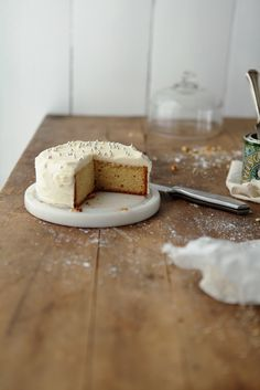 Golden Syrup Cake - baked in a six inch pan, golden syrup in both the cake and the buttercream. Sweet Recipes, Cake Recipes, Dessert Recipes, Golden Syrup Cake, Golden Cake, Piece Of Cakes, Vegan, Let Them Eat Cake, Yummy Cakes