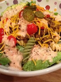 Dream Home Cooking Girl: Now, here is a pretty healthy, low-calorie meal...my Taco-Pasta Salad. Use lean beef or ground turkey. My dressing is made with Greek yogurt and just a tablespoon of sour cream. This saves a ton of calories :) Enjoy!