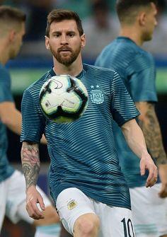 Soccer Stars, Football Soccer, Football Players, Messi Vs Ronaldo, Messi 10, Fc Barcelona, Cr7 Junior, Lionel Messi Wallpapers, Leonel Messi