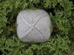 Entrelac cube with self-joining motifs by fuzzyjay, via Flickr
