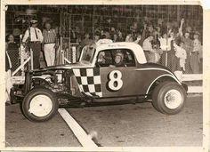 Checkered Flag, Car Makes, Sit Back, Monster Trucks, Racing, Cars, Vehicles, Cutaway, Running