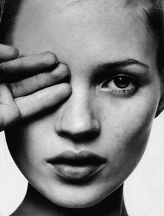 Kate Moss by David Sims for i-D magazine | d-untrait.tumblr.com