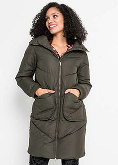 Keep out the chill in this warm quilted coat. There's a high collar, side pockets and a zip fastening down the front. Machine washable. 100% Poly