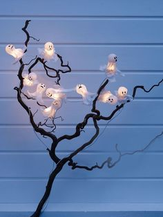 Awesome burda style Anleitung Ihr wollt Halloween Dekoration selber basteln Wir haben eine Anleitung f r eine schaurig sch ne Lichtergirlande mit