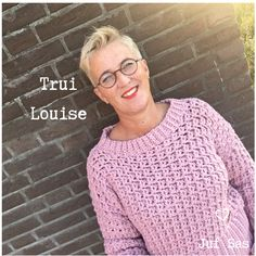 Legendary Trui Louise handmade by Juf Sas with free haakpatroon Free haakpatroon van deze trui gehaakt w. Crochet Shawl, Crochet Stitches, Free Crochet, Knit Crochet, Knitting Patterns, Crochet Patterns, Stitch Patterns, Diy Clothes And Shoes, Clothes For Women