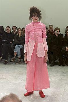 Comme des Garçons Spring 2000 Ready-to-Wear Collection Photos - Vogue