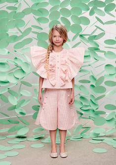 Stylish Kids Fashion, Vintage Kids Fashion, Kids Dress Patterns, Sewing Patterns Girls, Kids Outfits Girls, Girls Dresses, Outfits Niños, Kids Wardrobe, Beautiful Little Girls