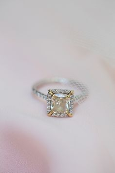 This unique mixed-metal engagement ring is a total stunner. // KariMe Photography