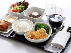 Cathay Pacific serves up new 'Signature Chinese Dishes'