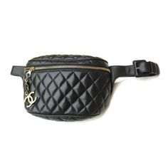 Pre-Owned Chanel Black Quilted Lambskin Retro Pouch Fanny Pack (41 675 UAH) ❤ liked on Polyvore featuring bags, black, travel belt bag, black fanny pack, black quilted bag, vintage bag and chanel