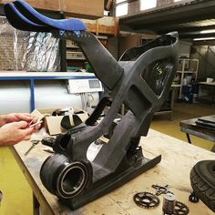 Composite Carbon Ebikes Built By Ryuger Bikes are something else. Designed and built without thinking about cost or sales, just to get that perfect idea Motorcycle Design, Bicycle Design, Dirt Bike Helmets, Mountian Bike, Electric Trike, Push Bikes, Guitar Design, Bike Frame, Bike Parts