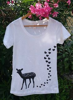 Fawn animal print Tshirt. Women's scoop Tee by SheApparel on Etsy, €13.90