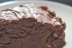 karolina-azzaro: Čokoládovo- datkový koláčik