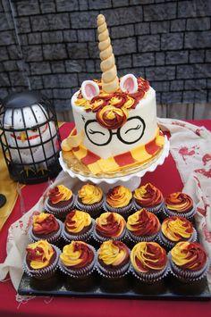 Harry potter unicorn cake my birthday cake, birthday, unicorn birthday parties, harry Harry Potter Cupcakes, Harry Potter Motto Party, Harry Potter Desserts, Gateau Harry Potter, Décoration Harry Potter, Harry Potter Birthday Cake, My Birthday Cake, 11th Birthday, Unicorn Birthday