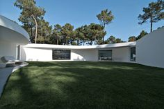 House in Aroeira by Aires Mateus