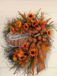 Thanksgiving 2020, Fall Wreaths, Ikebana, Projects, Diy, Crafts, Vase, Flower, Home Decor