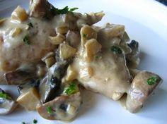 Poitrines de poulet à la crème de champignons et vin blanc, mijoteuse - Recettes du Québec