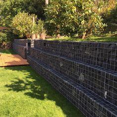 Eine Gabionen Hangbefestigung als Terrassenmauer | Gabionen Kaiser