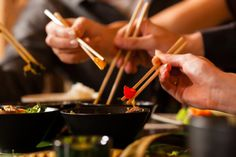 Of course your restaurant is active on social media. Encourage customer engagement with great content and these 8 restaurant picture ideas. Clean Eating, Healthy Eating, Stay Healthy, Korean Food, Chinese Food, Japanese Food, Japanese Buffet, Chefs, Bangkok Restaurant