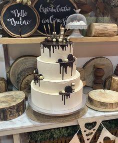 tarta de buttercream drip de chocolate decoracion de oreos y chocobolas
