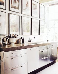 Lacquered white modern cabinets - Kitchen