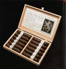 Vicente of London Liga Privada No 9 Toro $276.00 why not your worth it......