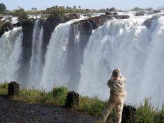 ユーラシア旅行社の南アフリカツアーではザンビアとジンバブエの両側よりビクトリアの滝を見学!