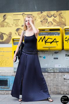 #New on #STYLEDUMONDE http://www.styledumonde.com with @daphnegroeneveld #DaphneGroeneveld at #paris #couture #fashionweek #pfw #pleats #outfit #ootd #streetstyle #streetfashion #streetchic #streetsnaps #fashion #mode #style