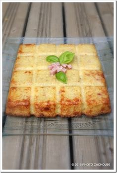 Je sais que vous adorez le moule tablette, alors essayez cette recette du tablette de pommes de terre aux kiri... cela a l'air super bon