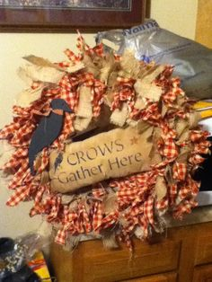 Like the wreath without the crow stuff on it